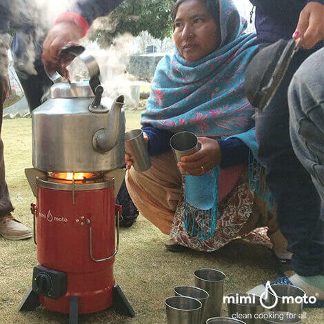10_-_Nepal_Making_a_cup_of_tea_1
