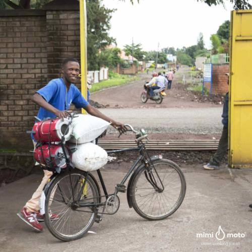 1_-_Bicycle_delivery_Rwanda_Inyenyeri_+_payoff