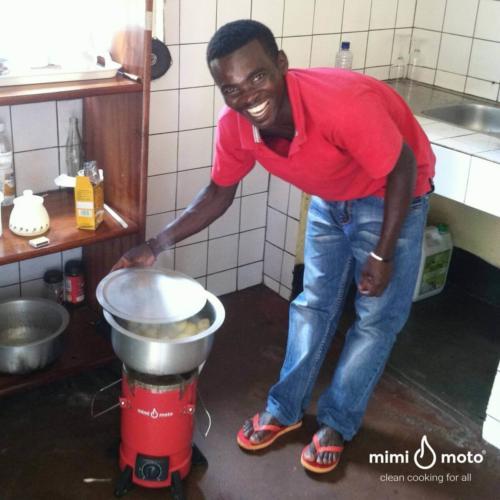 8_-_Rwanda_Inyenyeri_Mimi_Moto_we_are_eating_potatoes